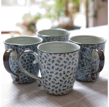 Set 4 Tasses porcelaine japonaise